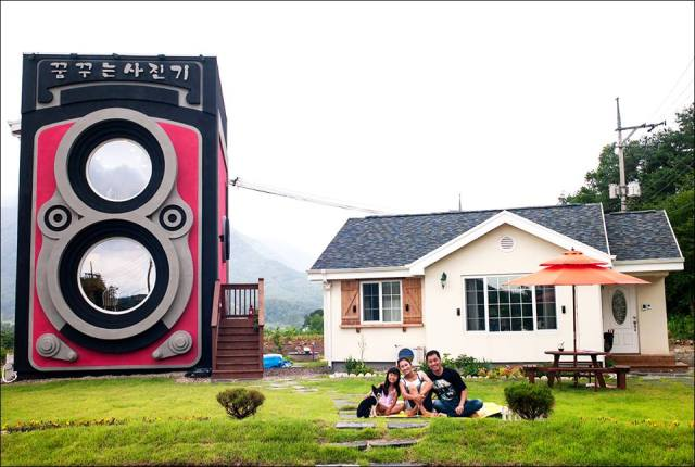 Sip coffee inside a giant vintage camera at family-run Dreamy Camera Cafe