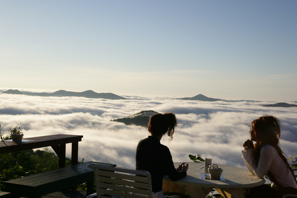 "Hokkaidō's ""Sea of Clouds"" Terrace now open, just a 13-minute chairlift ride away! 【Photos】"