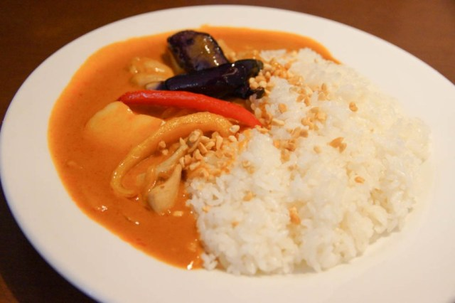We try Denny's Japan's Massaman curry: The world's most delicious food