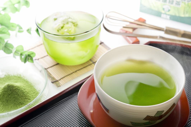 Need another reason to drink green tea? How about preventing dementia?