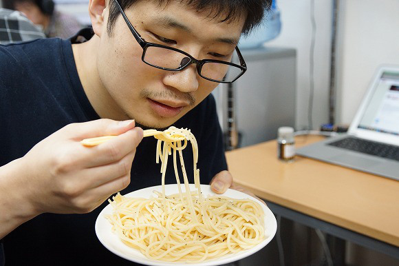 Slow News Day Special: We cook pasta with Tokyo Bay seawater