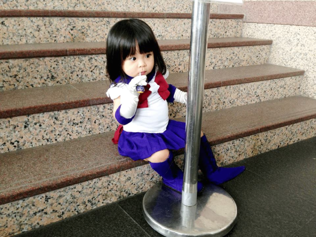 "Adorable tiny cosplayer puts one point in the ""Sailor Moon is for kids"" column"