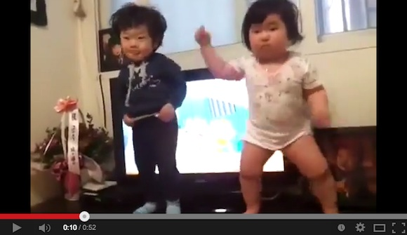 Move over, Psy: YouTube goes wild for dancing Korean baby 【Video】