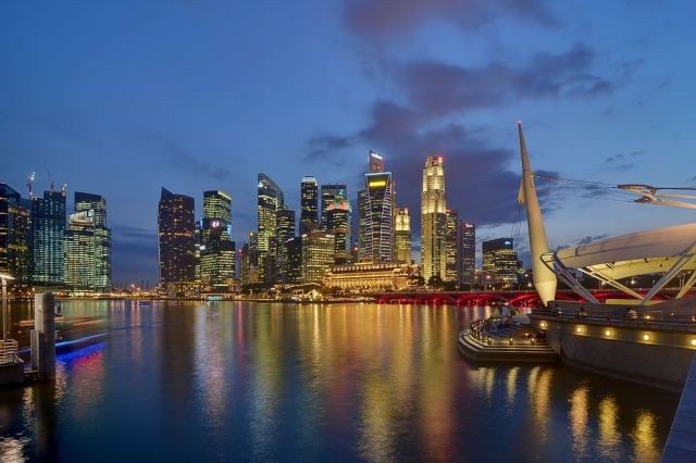 No lions, six time zones and fast walkers: 10 fascinating facts about Singapore