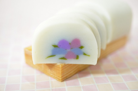 Beautiful hydrangea pattern adds a touch of elegance to traditional Japanese fish cake