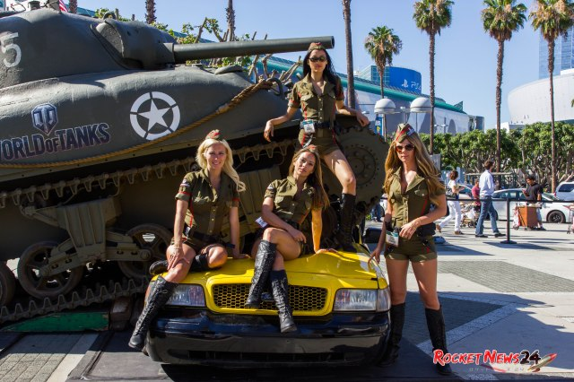 Booth babes, swag, and cosplay: E3 is a sexy, crazy place【RN24@E3】