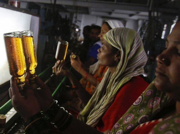 india-consumes-about-half-of-the-worlds-whiskey