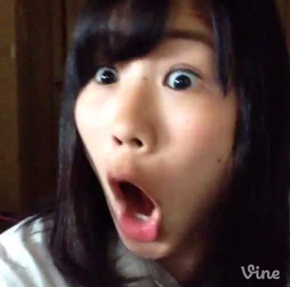 The funniest high school girl in Japan is back! Reika Oozeki does Frozen