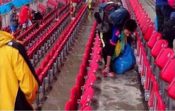 Japanese soccer fans remember their manners in Brazil, clean up before going home