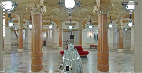 Google's Street View cameras are taking spooky selfies in museums around the world11