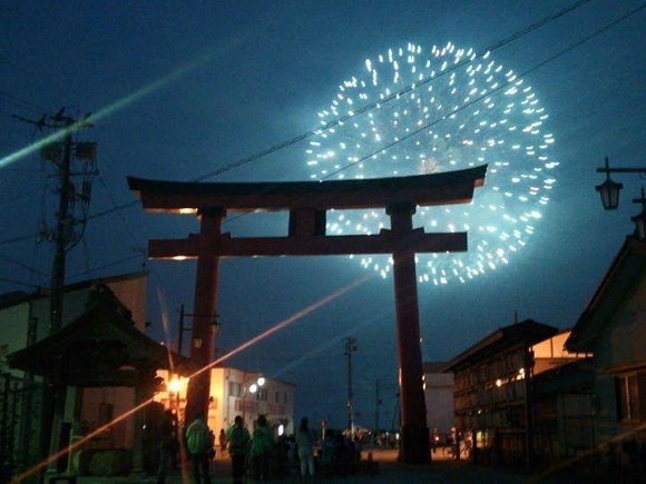 LIGHT UP NIPPON 2014 pays tribute to the Great East Japan Earthquake with a booming spectacle