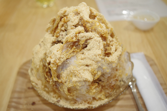 Fermented soybean shaved ice pushes the envelope of summertime sweets