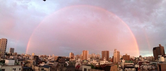 Perfect rainbow appears over Tokyo like an interdimensional portal, no spirits spotted (yet)