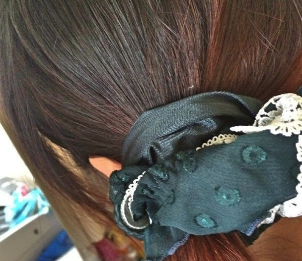 Scrunchie or panties? Japan's net users just can't decide!
