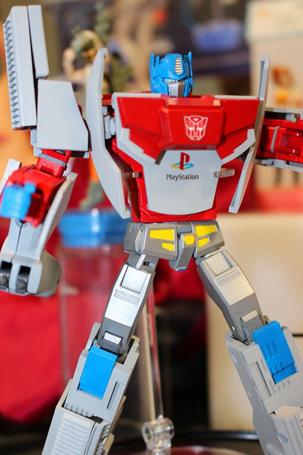 Console wars get real with new transformers figures