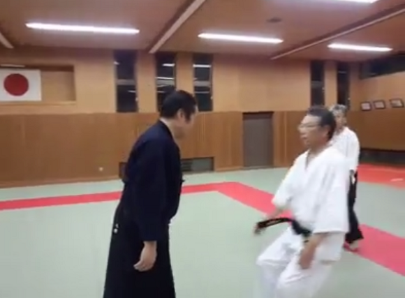 "Martial arts ""master"" demonstrates his incredible technique, leaves us laughing"