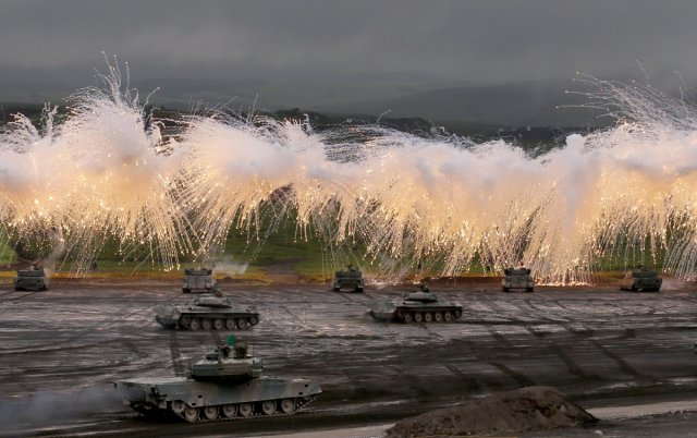 Japan just held a first-of-its-kind live fire exercise on Mount Fuji【Photos】