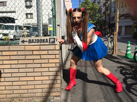 """LadyBeard is stirring up a storm with a """"dangerous"""" new tweet! 【Photos】"""