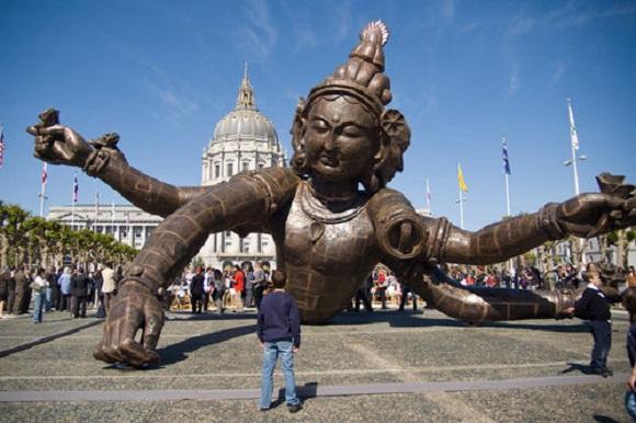 Japanese internet user's amusing interpretation of a sculpture in San Francisco