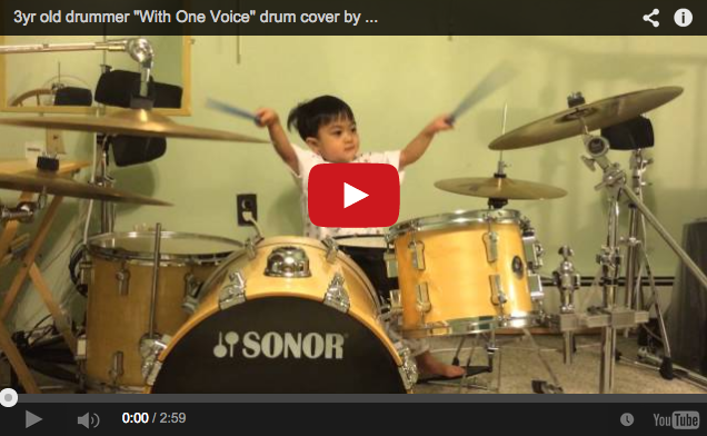 Adorable three-year-old Filipino boy absolutely kills it on the drums【Videos】