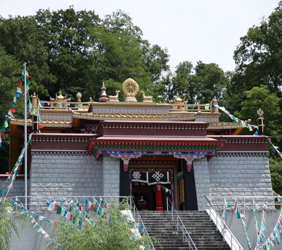 What's this Tibetan temple doing in the middle of Japan? We go to find out!