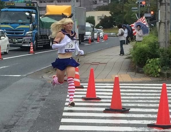 KanColle crossplayer is the best-dressed at this half-marathon