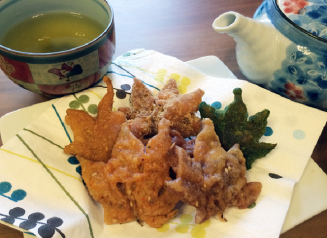 We leap into autumn by eating a pack of tempura maple leaves