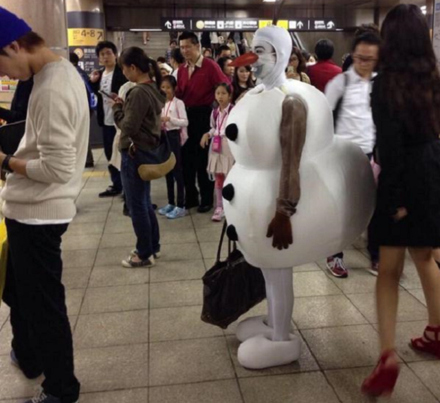 Frozen's Olaf spotted out and about on the Tokyo subway