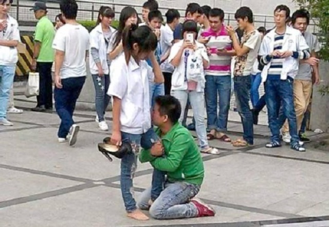 Man's rejected proposal goes viral as he tries to turn a 'no' into a 'yes'【Photos】