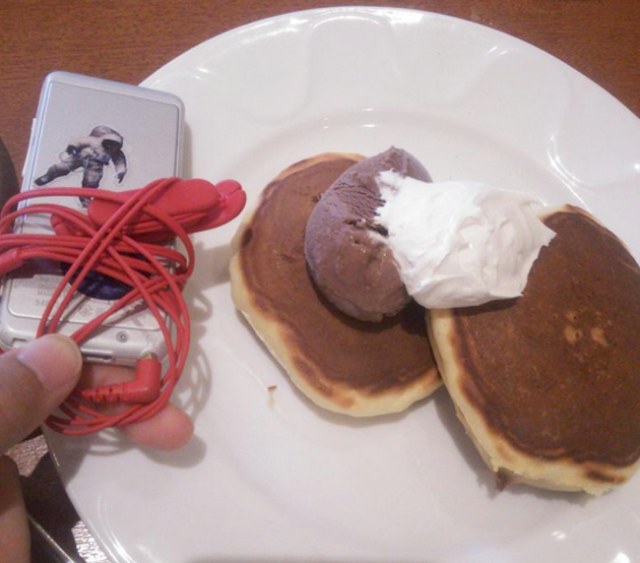 Small-you-can-eat: Japanese netizens are not happy with Denny's new endless pancakes offer