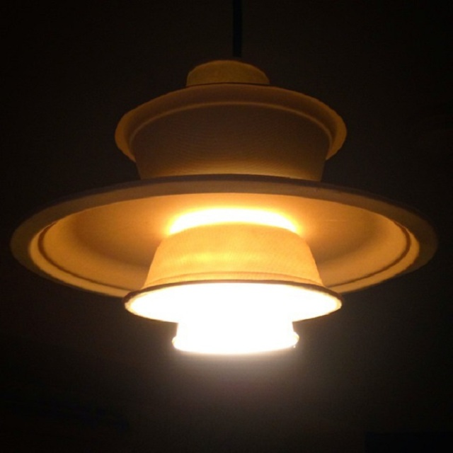 """Life hack! Make your own """"Louis Poulsen"""" light fitting with nothing but paper plates and bowls"""