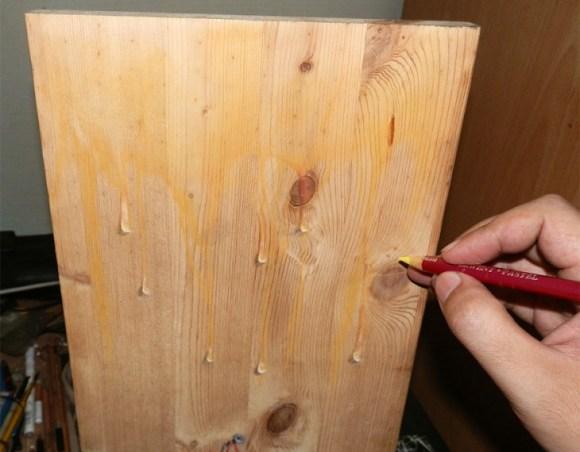 Ivan-Hoo-Realistic-Drawings-on-Wood-7-730x570