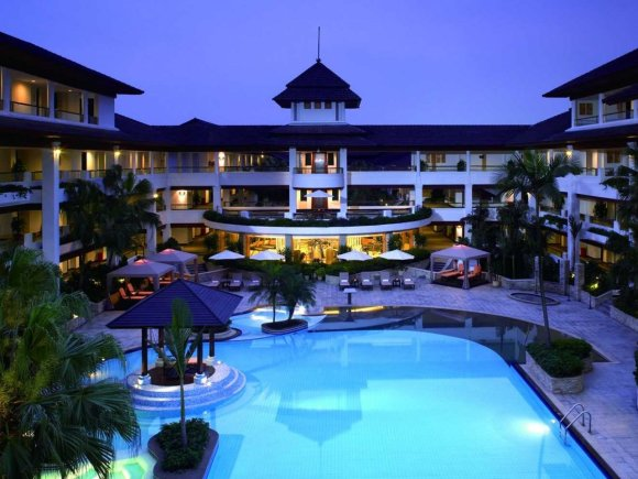 25-minutes-away-from-the-dongguan-clubhouse-is-the-shenzhen-golf-resort-it-has-seven-golf-courses-a-huge-swimming-pool-and-a-spa-center