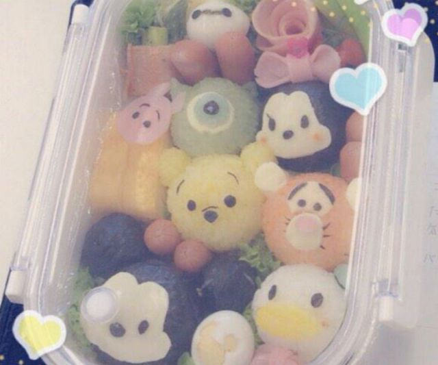 Japanese net users surprised to learn that painfully cute bento was in fact made by a teenage boy