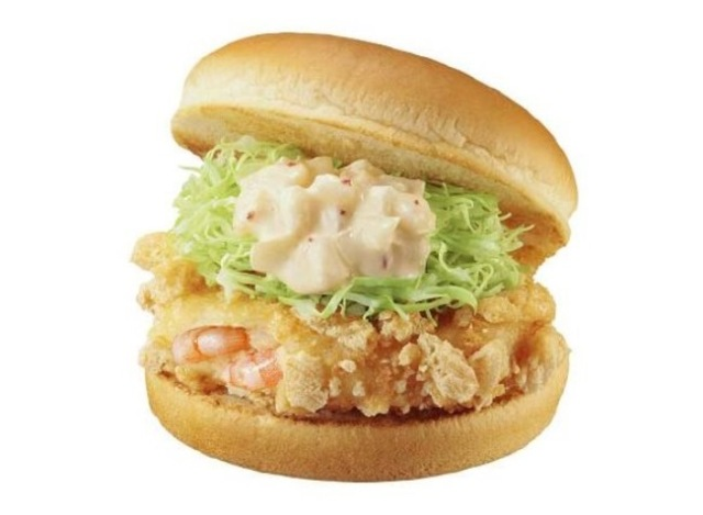 We try Lotteria's new shrimp burger with unique crust, end up seriously impressed【Taste Test】