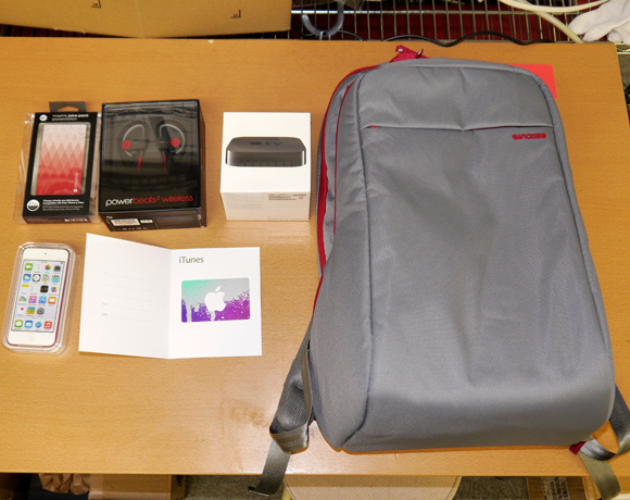 Mr. Sato divulges the contents of a 2015 Apple Store Lucky Bag–will he get a lame t-shirt again?