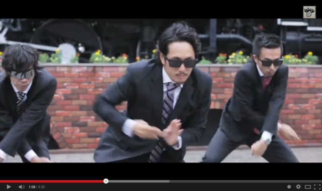 "Unreal ""animation dancer"" makes Japanese salarymen breakdance with the power of magic sunglasses"