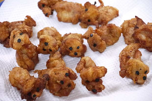 "Japanese food blogger makes fried chicken poodles: ""They're too cute to eat!"""