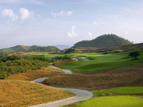 pete-dye-was-one-of-the-most-widely-regarded-golf-course-architects-for-50-years-and-this-is-one-of-his-most-creative-golf-courses-though-its-short-by-todays-standards-the-greens-are-pretty-hard-to-play