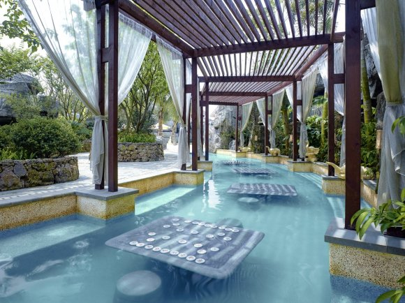 plus-if-youre-not-into-playing-a-round-theres-also-a-spa-volcanic-hot-springs-or-aquatic-theme-park-the-guinness-world-records-says-that-mission-hills-haikou-is-the-worlds-largest-spa-and-mineral-springs