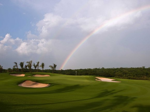 the-gorgeous-preserve-course-has-palm-trees-and-rolling-hills