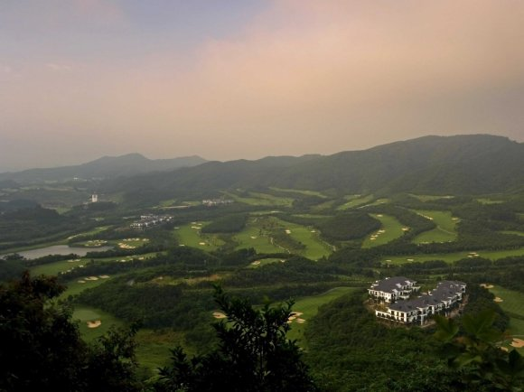 welcome-to-mission-hills-dongguan-club-the-first-of-the-mission-hills-golf-courses-and-one-of-the-largest-in-the-world