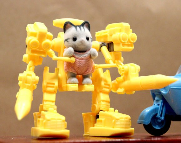 Cute animals in powered exoskeletons: 6 wondrous items from the 2015 Wonder Festival