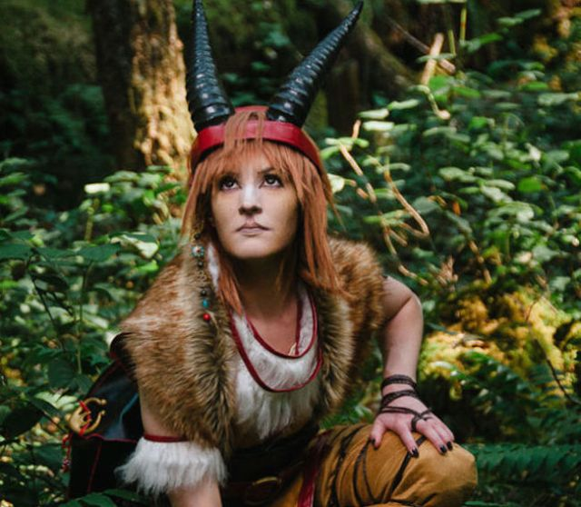 Wander through the forest with Princess Mononoke in these beautiful photos from Oregon cosplayers