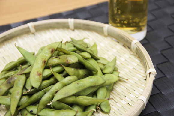 Eat your beans the doubly delicious way with this mushiyaki edamame recipe 【RocketKitchen】