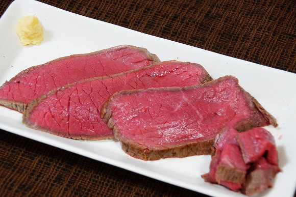 Minimal effort, loads of flavor: Make juicy roast beef in your rice cooker with vacuum cooking!