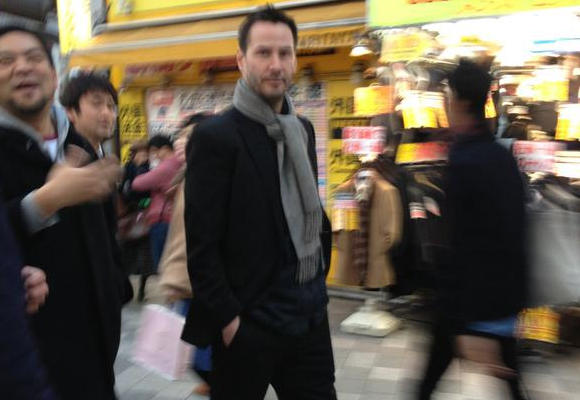 Keanu Reeves tries to be a tourist in Akihabara, gets mobbed by fans instead