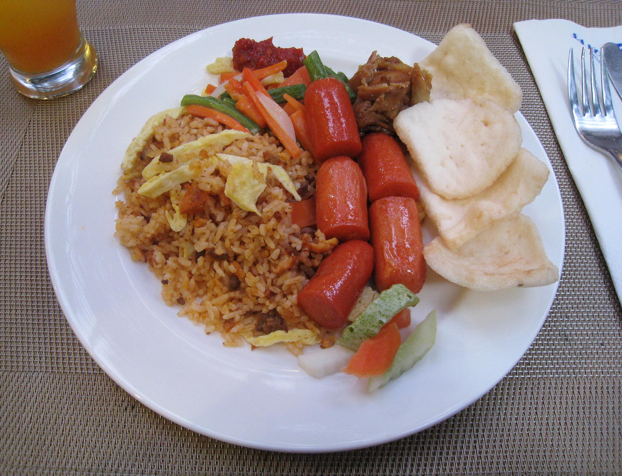 Nasi Goreng Sosis Breakfast Savoy Homann Hotel