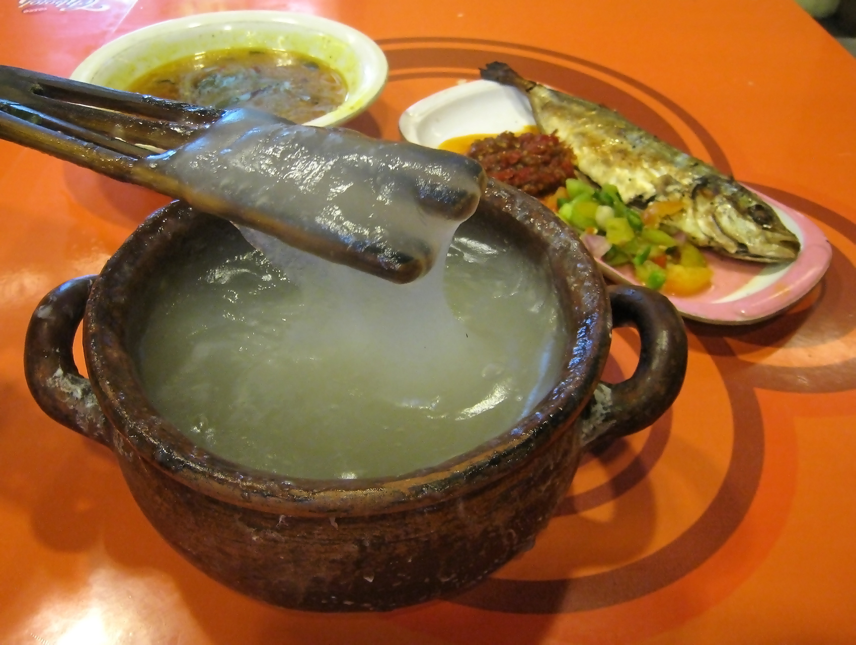Papeda, Kuah Kuning, Ikan Tude Bakar 2