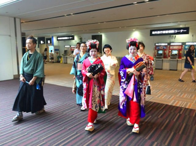 Narita Airport attempts to woo international travellers with 'Omotenashi' welcome program